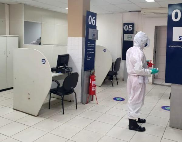 Corpo de Bombeiros realiza desinfecção de SACs em Brumado e Guanambi.