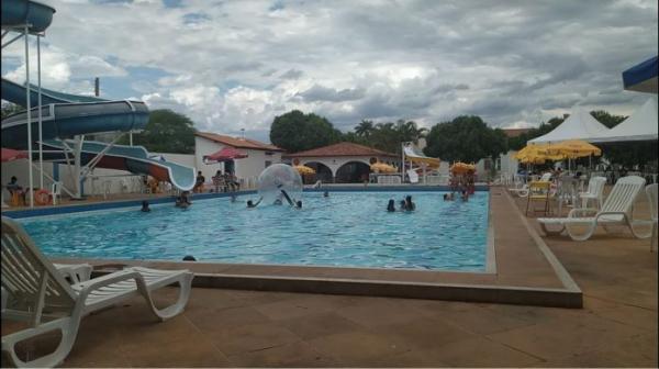 Novo decreto permite reabertura de clubes sociais em Guanambi.