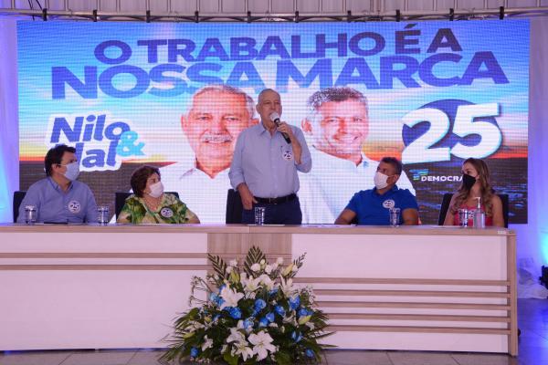 Convenção do Democratas confirma candidatura de Nilo e Nal à prefeitura de Guanambi.