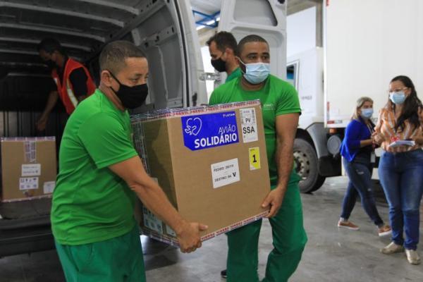 Bahia recebe primeiro lote de vacinas da Pfizer e mais doses da AstraZeneca.