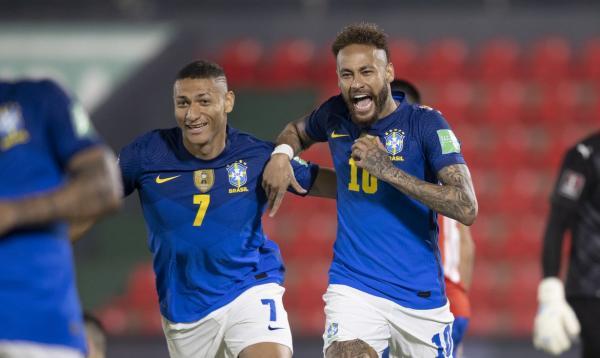 Brasil vence o Paraguai e segue líder isolado das Eliminatórias da Copa