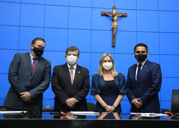 Ivana apresenta a Nova Unale 25+ no Paraná, São Paulo e Mato Grosso do Sul.