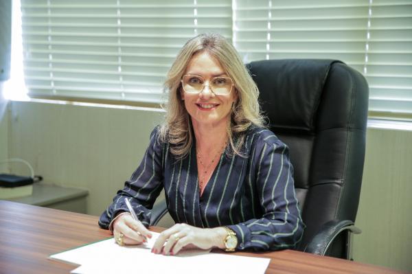 Ivana Bastos quer assegurar à gestante a opção pelo parto cesariano.