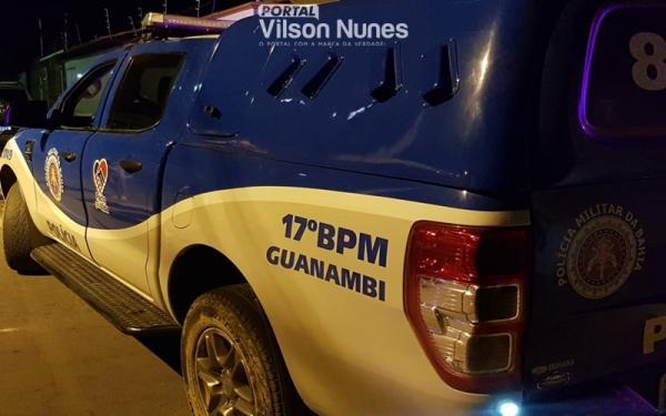 Polícia Militar e Vigilância Sanitária de Guanambi encerram aglomeração em festa de aniversário, autua e multa os presentes no evento irregular.