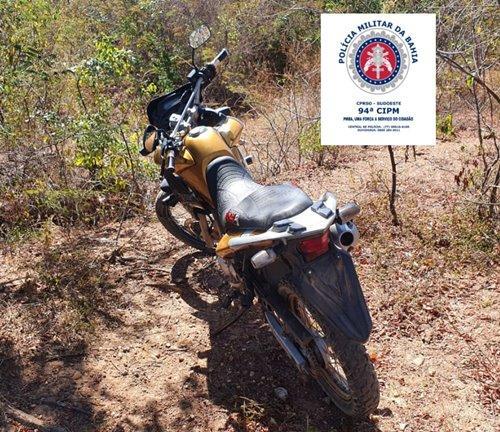 Policia Militar recupera motocicleta roubada em Igaporã.