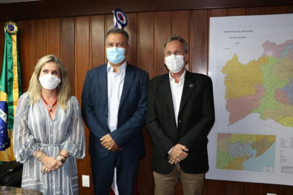 Em audiência com a deputada e o prefeito, governador autoriza investimentos para Dom Basílio.