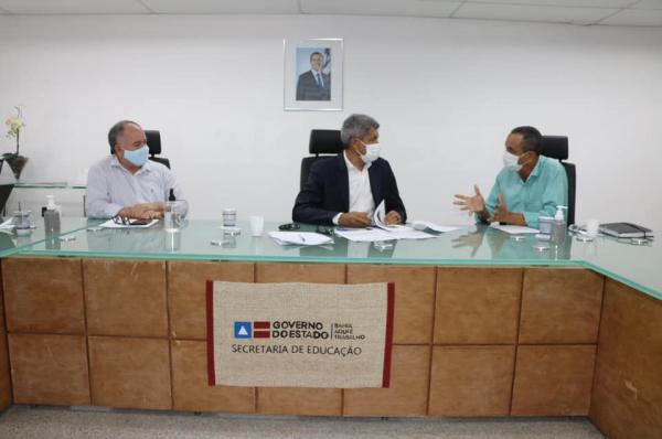 Mandato de Ivana Bastos e prefeitos tratam de investimentos autorizados pelo governador na SEC.