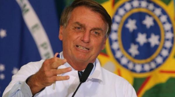 Bolsonaro diz que oposição vista nas ruas é 'digna de dó' e ironiza 'presidenciáveis aglomerados'.