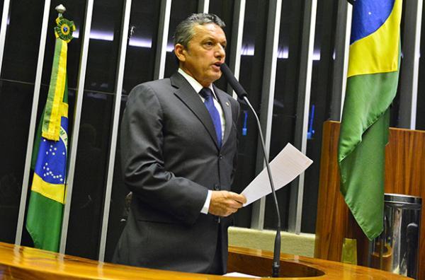 Deputado Charles Fernandes solicita a inclusão do PL 2471/2021 na pauta de votação da Câmara; projeto irá beneficiar os mototaxistas com desconto na compra de motocicletas.