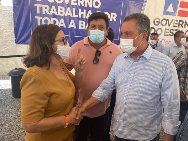 Prefeita de Matina Olga e vice Irineu prestigiam visita do governador Rui Costa em Iuiu.