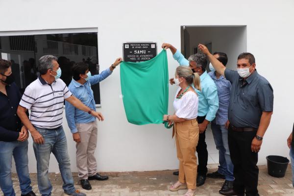 Agricultura familiar e entrega de obras marca aniversário de emancipação política de Urandi.