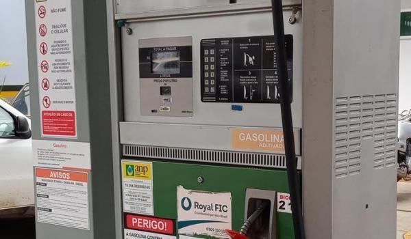 Antes de novo reajuste, preço da gasolina já subiu mais de R$ 1,50 este ano em Guanambi.