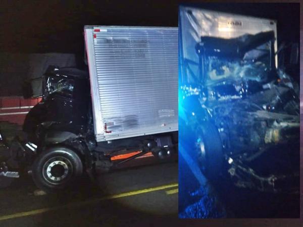 Colisão envolvendo caminhão e carreta deixa motorista ferido na BR-030 em Guanambi.